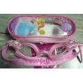แว่นตาว่ายน้ำ สำหรับเด็ก ลาย เจ้าหญิง Princess ปรับสายได้ค่ะ