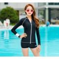 ชุดว่ายน้ำสีดำแขนยาวกัน UV ทรูพีช ตัวเสื้อด้านหน้าเป็นซิบ สามารถรูดได้ถึงคอ  มีฟองน้ำเสริม JC-755