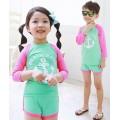 ชุดว่ายน้ำเด็ก แขนยาว ทูพีซ MARJNE สีเขียว-ชมพู อายุ 2-9 ปี 6121