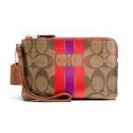 กระเป๋าคล้องมือ COACH VERSITY STRIPE LOGO PRINT WRISTLET 66052