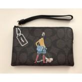 กระเป๋าคล้องมือ COACH LIMITED EDITION BONIE CASION BROWN ZIP WRISTLET 57586