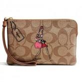 กระเป๋าคล้องมือ COACH LIMITED EDITION BONIE CASION KHAKI ZIP WRISTLET 57586