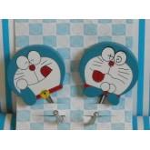 ที่แขวนของ แบบขอเกี่ยว ลาย โดเรม่อน (Doraemon)ด้านหลังเป็นกาว 2 หน้าค่ะ