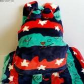 เป้ หมอนผ้าห่ม ใช้เป็นหมอนอิงได้คะ มีช่องซุกมือข้าง ๆ ลาย craftholic accent ถ้าเอาผ้าห่มออกจะกลางเป็