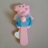 พัดลมพก Peppa Pig เป๊ปป้าพิก ไม่ใช้ถ่าน กดด้างข้างเพื่อให้พัดลมหมุนคะ