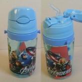 กระติกน้ำ มีหลอดในตัว มีสายสะพาย ลาย อเวนเจอร์ Avengers (PBA Free) สายสะพายถอดได้คะ ขนาดสูง 6.5 นิ้ว