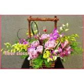 กระเช้าดอกไม้สีชมพู flower basket