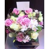 แจกันดอกกุหลาบรังนกสีชมพู วันวาเลนไทน์