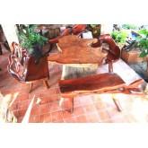 โต๊ะ ตอไม้มะค่า พร้อม เก้าอี้ รากไม้มะค่า อีก 3 ตัว พื้นโต๊ะ หนา 3 นิ้ว กว่า ขาโต๊ะ เป็น ตอไม้มะค่า