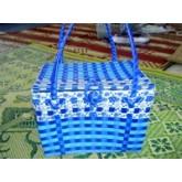 กระเป๋าจากเชือกฟางพลาสติก