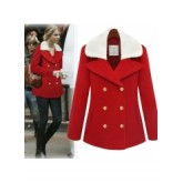 เสื้อโค้ชแฟชั่น ตัวยาว สีแดง แต่งกระดุมหน้า 2 แถวสีทอง ประดับด้วยขนเฟอร์ช่วงคอ [MK-1181]