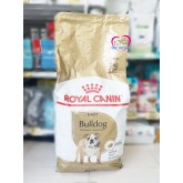 อาหารสุนัข Royal canin adult Bulldog 12kg สำหรับสุนัขพันธุ์บูลด็อกอายุ 12 เดือนขึ้นไป
