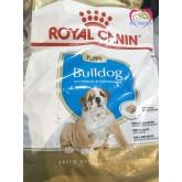 อาหารสุนัข Royal canin Junior Bulldog 12kg สำหรับสุนัขพันธุ์บูลด็อกเด็กอายุ 2-12เดือน