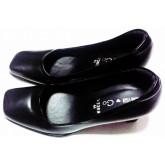 รองเท้าหัวตัดหนังด้าน  สูง 3นิ้ว  สีดำ