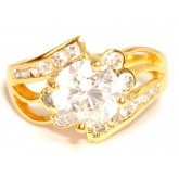 แหวนผู้หญิงหุ้มทองคำแท้ฝังประดับเพชร CZ เม็ดกลางใหญ่ฉลุลายที่บ่าแหวนพร้อมฝังเพชรกว่า 17 เม็ด