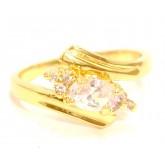 แหวนผู้หญิงหุ้มทองคำแท้ฝังเพชรรูปไข่แบบหนามเตยก้านแหวนไขว้บนล่าง