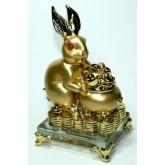 กระต่ายทองอุ้มโอ่งทองบนฐานคริสตัล