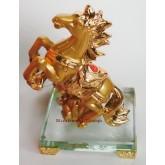 ม้าทองมงคลบนฐานคริสตัล ขนาด 4 นิ้ว