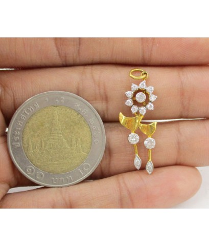 จี้ เพชรกระจุก ทรงดอกไม้ เพชร 14 เม็ด 0.28 กะรัต ทอง90 งานสวย น่ารักมาก นน. 1.26 g