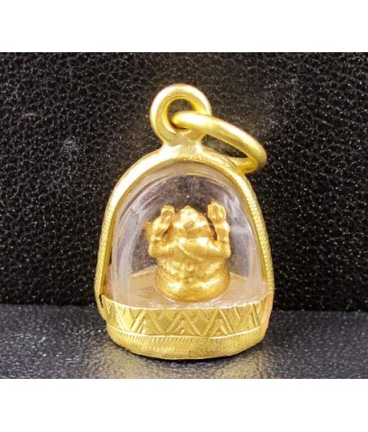 พระพิฆเนศวร เนื้อทองคำ ลอยองค์ เลี่ยมทองเก่า นน. 3.71 g