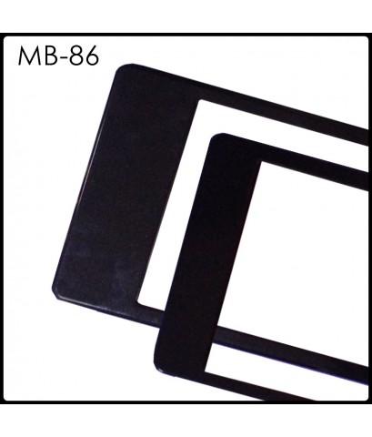 กรอบป้ายทะเบียนกันน้ำ MB-86 สีดำล้วน ALL BLACK สั้น-ยาว ระบบคลิปล็อค 8 จุด พร้อมน็อตอะไหล่