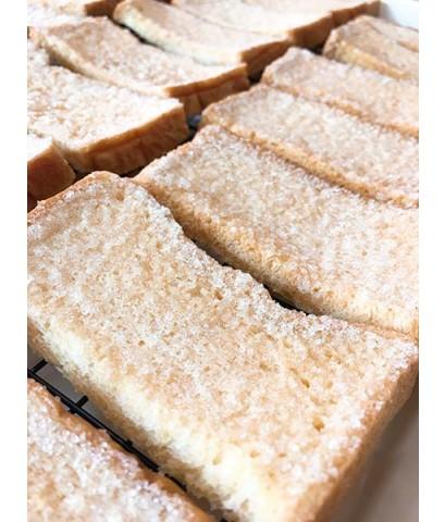 ขนมปังกรอบเนยน้ำตาล และ เนยนม