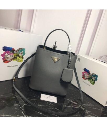 กระเป๋า Prada  Bag
