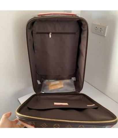 Louis Vuitton suitcase luggage rolling travel bag