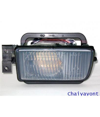 ชุดแต่งไฟตัดหมอก ไฟสปอตไลท์ Hella Spot Light ด้านซ้ายรถบีเอ็มดับบลิว BMW E34 520i 525i 528i Series 5
