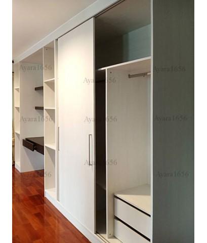 ตู้เสื้อผ้า Built-in โครงปาติเกิลกันชื้น หน้าบาน Melamine สี Ladinia + Wenge