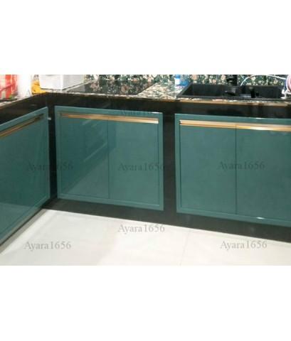 ชุดครัว Built-in ตู้ล่าง โครงซีเมนต์บอร์ด หน้าบาน Hi Gloss สีเขียวเงา Parrot + สีครีมเงา Cotton Duck