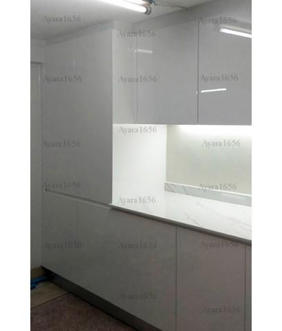 ชุดครัว Built-in โครงซีเมนต์บอร์ด หน้าบาน Hi Gloss สีขาวเงา