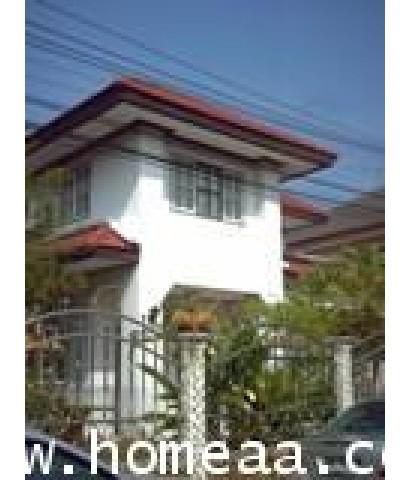 บ้านเดี่ยว 2 ชั้น หมู่บ้านพนาสนธิ์การ์เด้นโฮม3 ถ.ร่มเกล้า เนื้อที่ 57.20 ตร.วา สภาพพร้อมอยู่