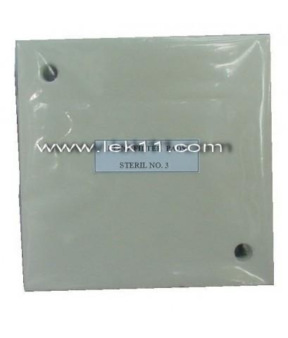 กระดาษกรอง No.3 มีรู ทะแยง (0.3 ไมครอน) ขนาด 20 x 20 ซม. German 6 แผ่น/แพ็ค
