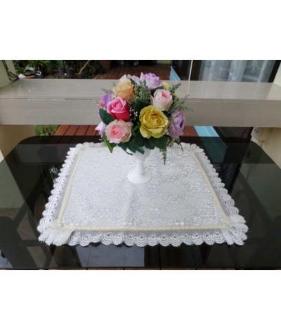 ผ้ารองแจกันดอกไม้
