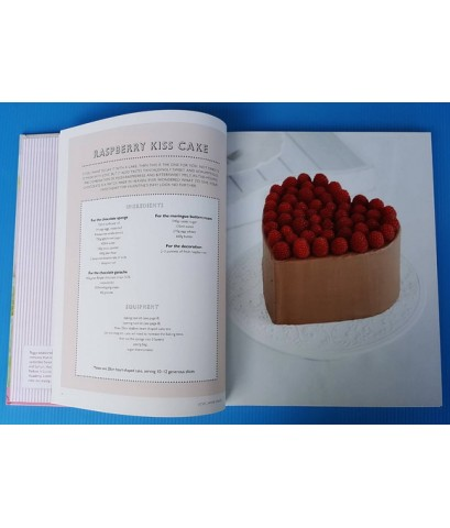 LOVE LAYER CAKES