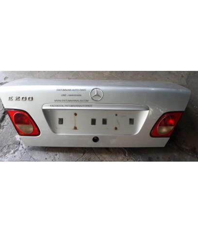 ฝาท้าย Mercedes-Benz (เบ๊นซ์) E Class W210