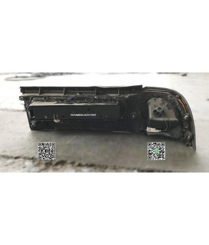 ไฟท้าย Nissan Cefiro A31 12V (นิสสัน เซฟิโร่) 12 วาล์ว