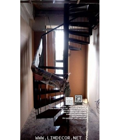 LD-B1264 บันไดเวียนเหลี่ยมเหล็กพื้นไม้ยาง Winder Staircase/Railing with Rubber Wood Plate