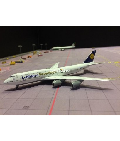 HERPA WINGS 1:500 Lufthansa 747-8 D-ABYK Paralympics HW530033