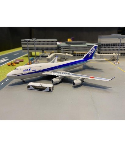 Phoenix 1:400 ANA 747-400 JA8097 Happy Flight P4371