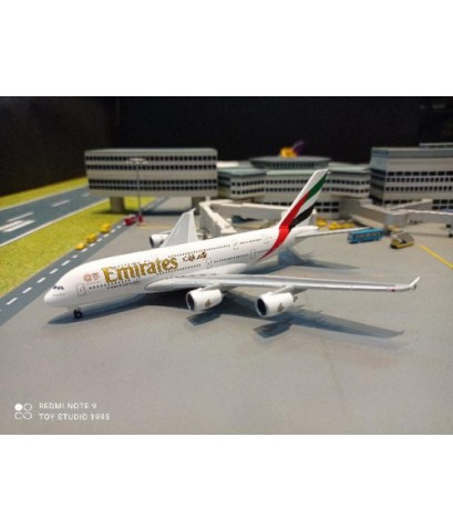 HW514521-005 1:500 Emirates A380 A6-EOX [Width 16 Length 15 Height 5 cms.]