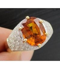 แหวน บุษราคัมซีลอน 4.80 กะรัต ล้อมเพชร 60 เม็ด 1.20 กะรัต ทอง90 งานสวยมาก นน. 6.18 g