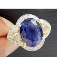 แหวน ไพลิน  4.50  กะรัต  ฝังเพชร 2/0.30 ct ล้อมเพชร 32/0.64 ct ct ทอง90 เพชรขาว สวยมาก นน. 7.78 g