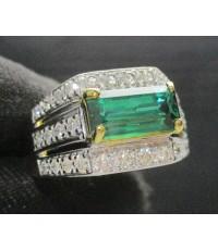 แหวน พลอยเขียว ฝังเพชร 3 แถว 32 เม็ด 0.32 กะรัต ทอง90 หลุดจำนำ งานสวยมาก นน. 6.28 g