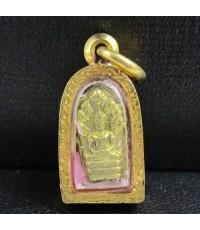 รหัสสินค้า: 50612 พระนาคปรกใบมะขาม หลวงพ่อคูณ หลัง วปร. กะไหล่ทอง เลี่ยมทองเก่า นน. 3.45 g