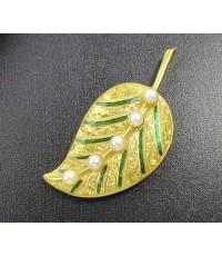เข็มกลัด ใบไม้ ทองลงยา ฝังมุกญี่ปุ่น ทอง90 งานเก่า ทองโบราณ นน. 11.16 g