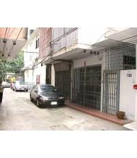 (ให้เช่าแล้ว) บ้านเช่าสีลม / อาคารพาณิชย์ให้เช่า ใจกลางเมืองถนนสีลมซอยวัดแขก มีที่จอดรถ 2-3 คัน ใกล้