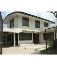 (มีผู้เช่าแล้ว) บ้านเช่าเสรีไทย / บ้านเช่าถูกๆ 120 ตรว. หมู่บ้านสหกรณ์ ใกล้ถนนมอเตอร์เวย์