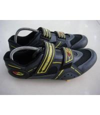 รองเท้านอร์เวสสีดำเหลือง2คาดเบอร์43สภาพใหม่มาก